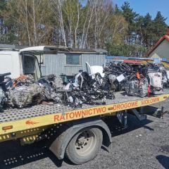 Funkcjonariusze z Wołomina zabezpieczyli samochodowe podzespoły mogące pochodzić z kradzieży