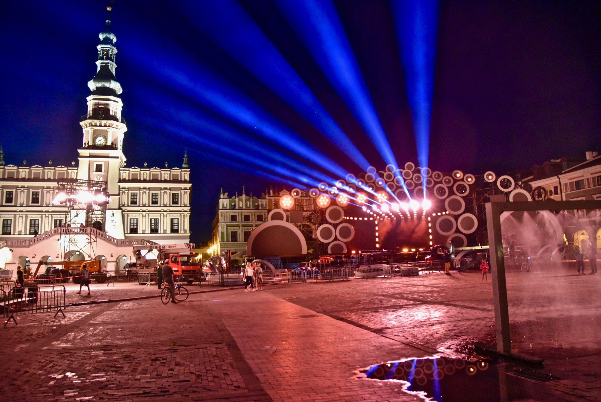 """dsc 2999 Wozy TVNu będą transmitować koncert """"Dwójki"""" z Zamościa!"""