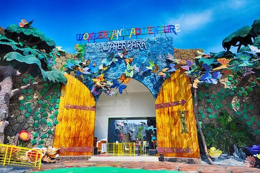 Wonderland Anventure Water Park