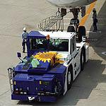 航空機牽引車(トーイングカー)にイラスト)