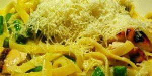 Fettuccine Alfredo with Asparagus