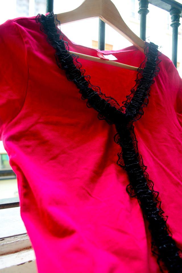 Comment customiser un haut avec du ruban par Kustom Couture