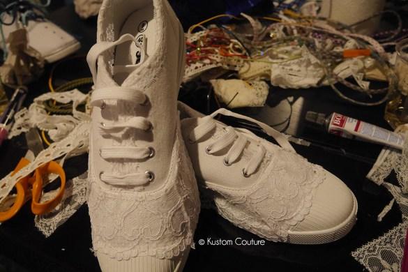 Atelier DIY Mondial Tissus | Customisation de baskets basiques | Kustom Couture