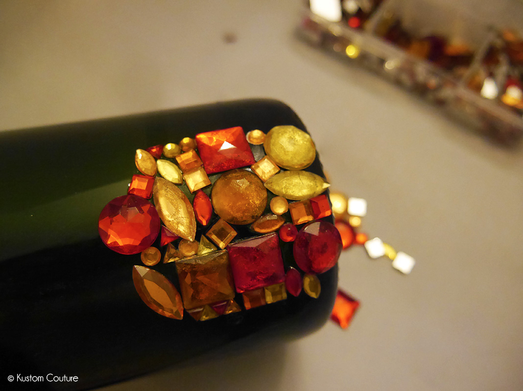 Customiser une bouteille en verre avec des strass | Kustom Couture