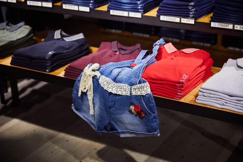 Atelier de customisation chez Bonobo Jeans par Kustom Couture