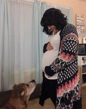 A kutya és a kismama (Fotó: Facebook/FAACAC)