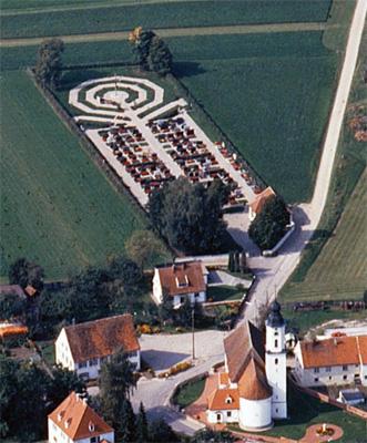 Erweiterung des Friedhofes in Kutzenhausen - 1982