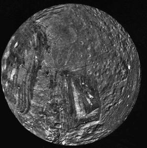 Miranda - maan van Uranus