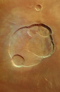 De caldera van Olympus Mons gefotografeerd door de Europese Mars Express