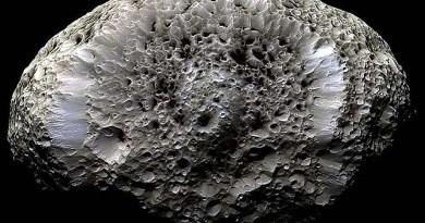 Hyperion - maan van Saturnus