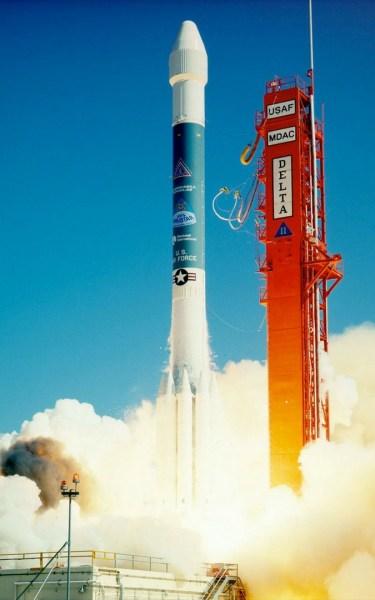 Lancering van de eerste Delta II-raket