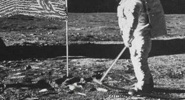 Alan Shepard speelt golf op de Maan