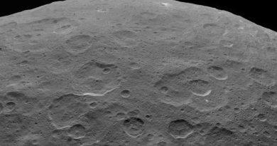 Ahuna Mons op Ceres, gefotografeerd door de ruimtesonde DAWN