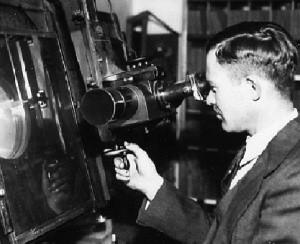 Clyde Tombaugh en blink comparator