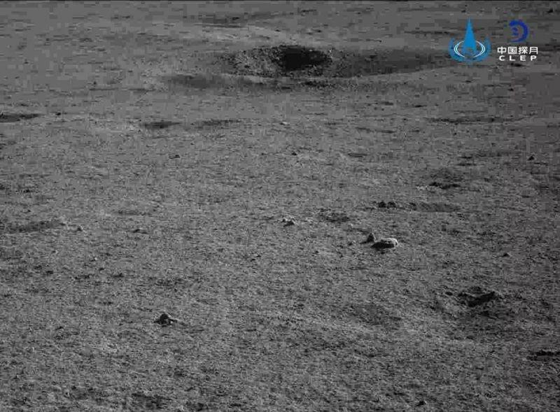 Yutu2 fotografeert de verre zijde van de Maan.