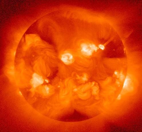 opname van de Zon in röntgenlicht gemaakt door de Japanse Yohkoh satelliet