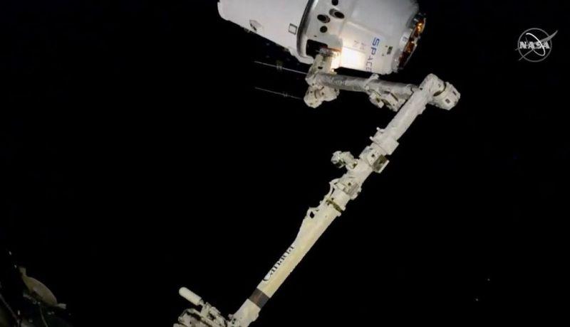 Dragon arriveert bij ISS