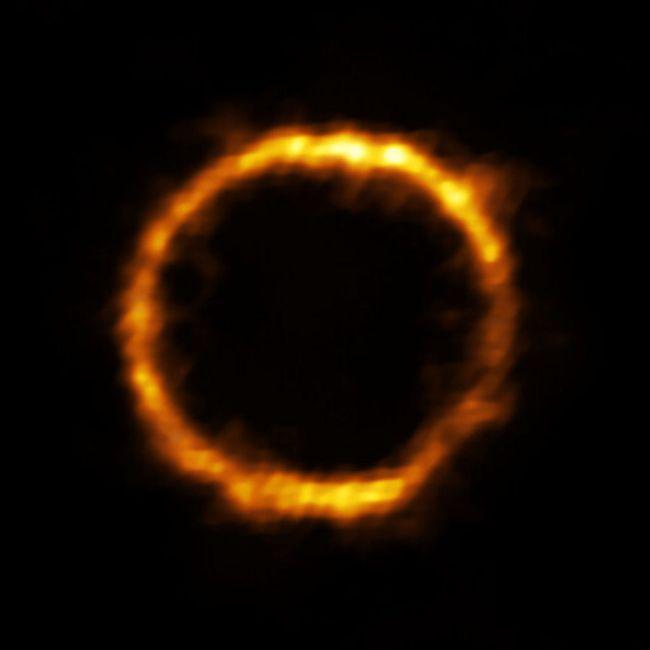 De cirkelvormige structuur van SPT-S J041839-4751.9