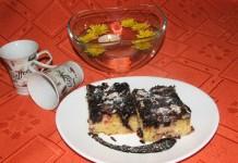 Kolač sa palentom voćem i čokoladom