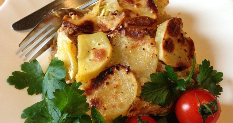 Musaka od krompira i praziluka sa mlevenim mesom