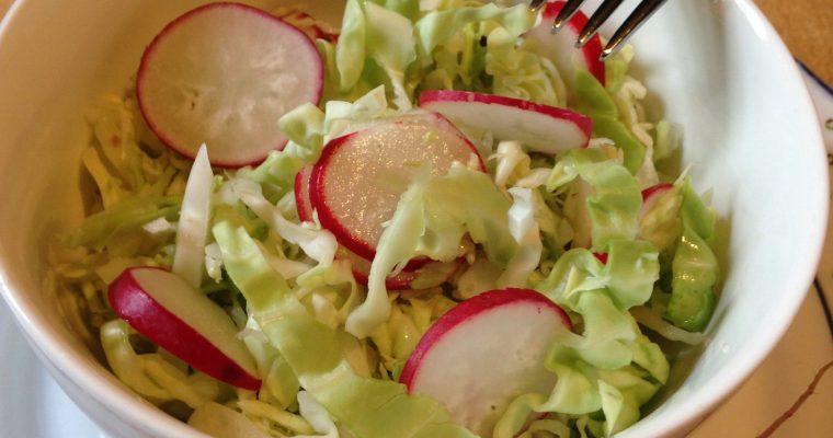 Brza salata od kupusa i rotkvica