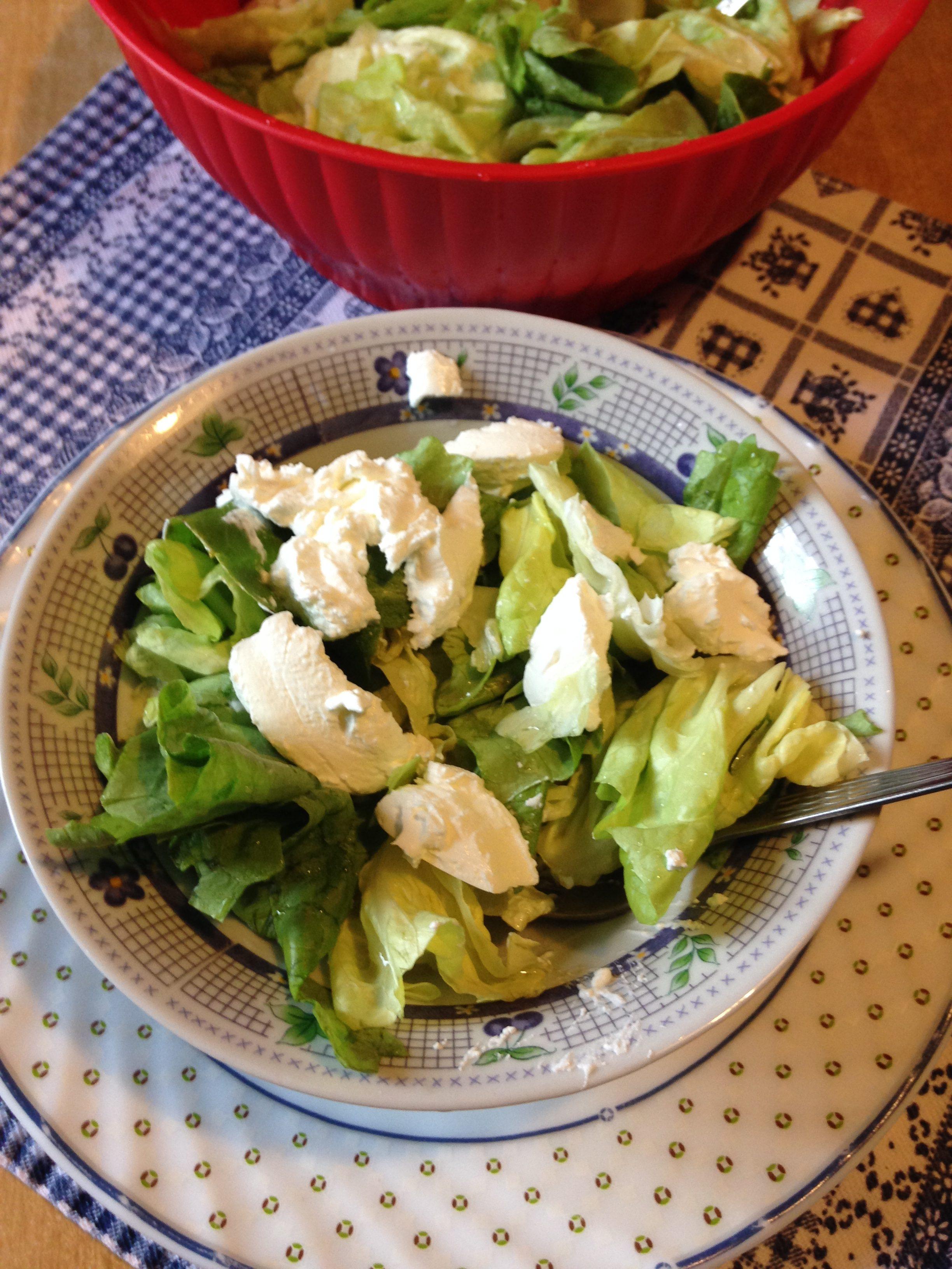 Zelena salata sa jogurtom i limunom