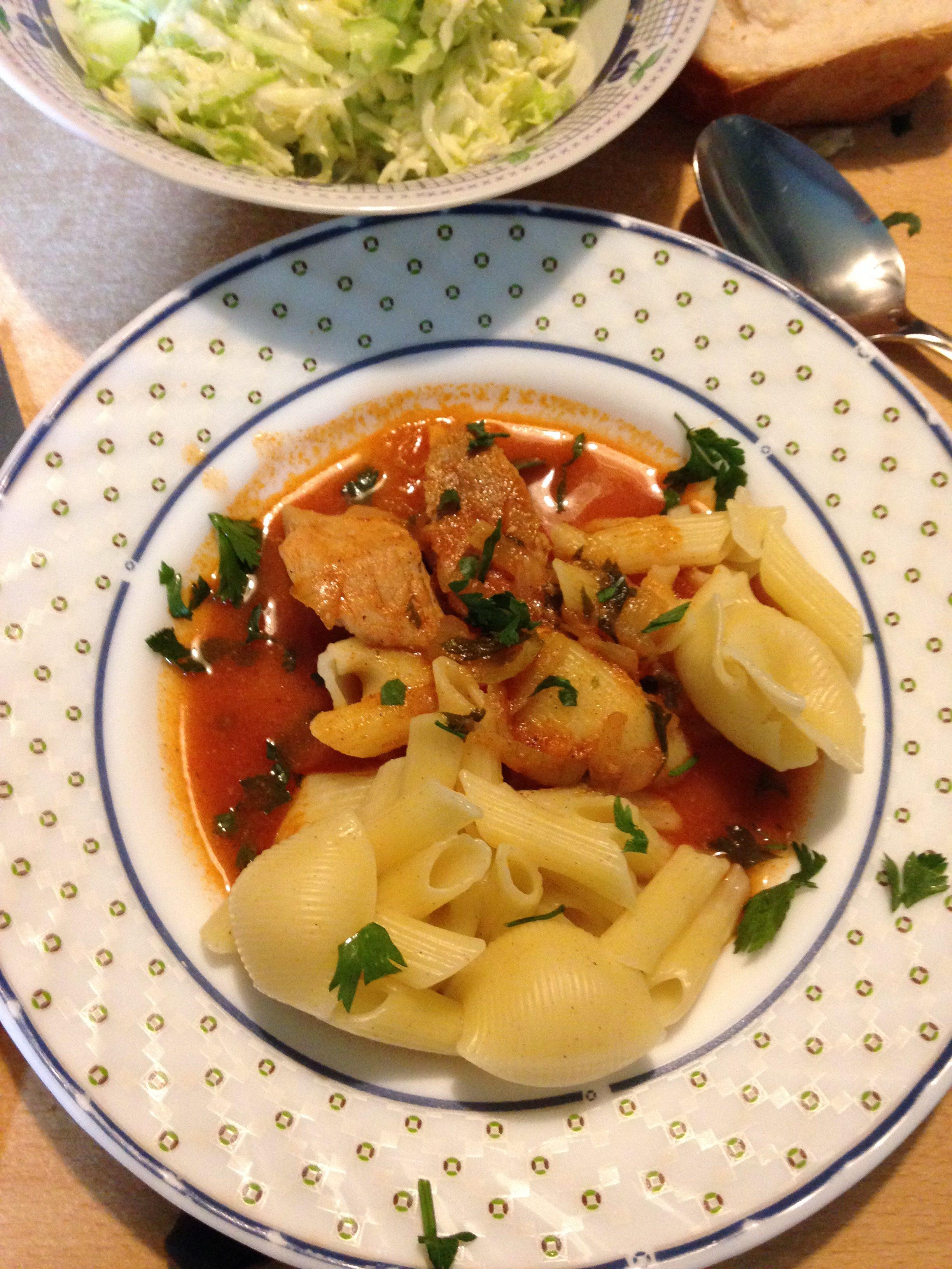 Brz ručak-sočno svinjsko meso u paradajz sosu