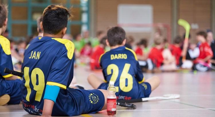 Break Players Floorball Sport  - RaphiD / Pixabay