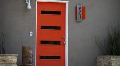 Door House Facade Exterior Doorway  - zletitiaz / Pixabay