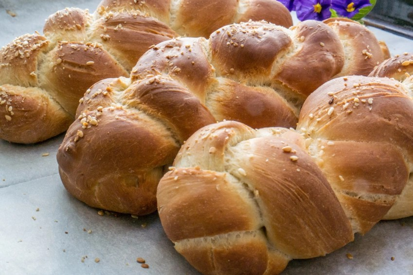 Challah-Bread-000082726897_Small