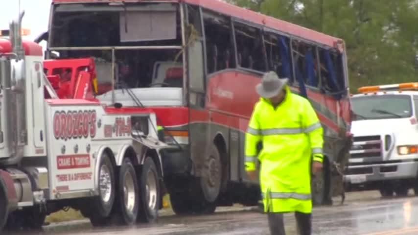 Laredo Bus Crash Survivors Receive Money_01253137-159532