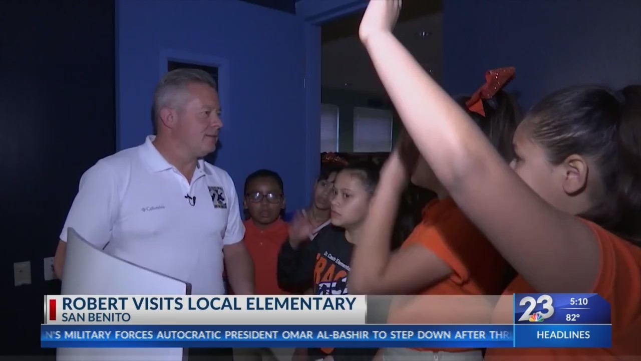 Robert_Bettes_visits_local_elementary_0_20190412230659