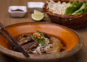 Sopa de noodles con ternera, sopa de noodles, fideos, tallarines, cocina tailandesa