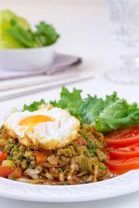noodles con curry, noodles tailandés, noodles salteados, cocina tailandesa, comida tailandesa