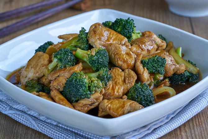 Salteadode pollo con brocoli, cocina china, cocina asiática