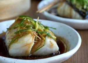 pescado al vapor estilo asiatico, pescado al vapor, pescado asiático, pescado chino, bacalao, cocina asiática, cocina china