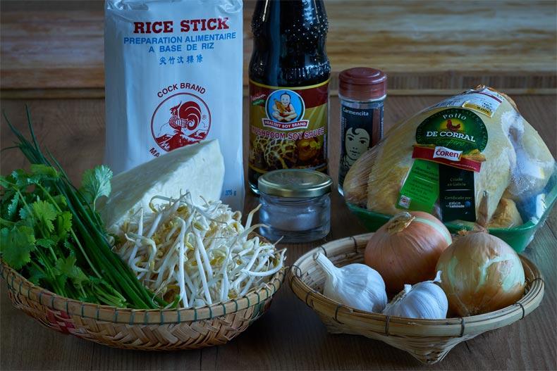 sopa de noodles, sopa de fideo, sopa pho, noodles, pollo