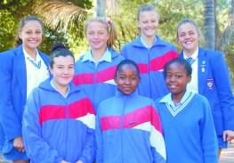Laerskool Thabazimbi se 0/13 B Netbal-span vlnr voor:  Inge Jacobsohn, Beanca Lethlole en Lethabo Gomba. Agter:  Lené van Zyl, Juanita van der Mewe, Anzel Meyer en  Megan Brits.