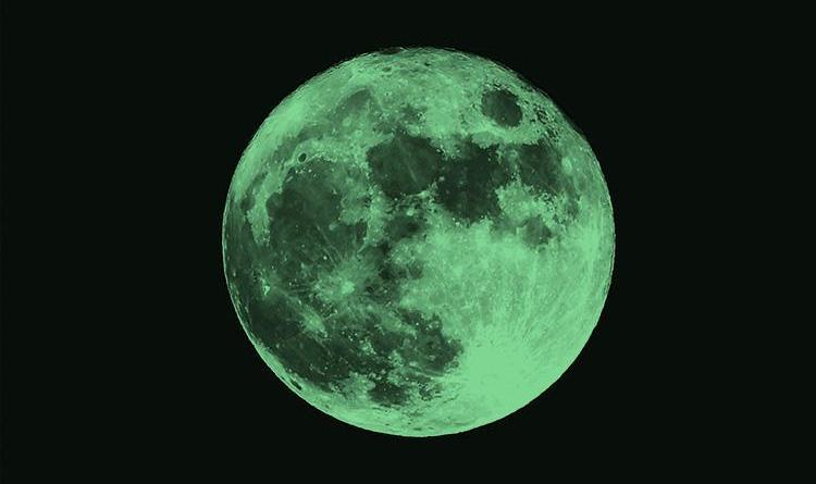 12 April moon-green