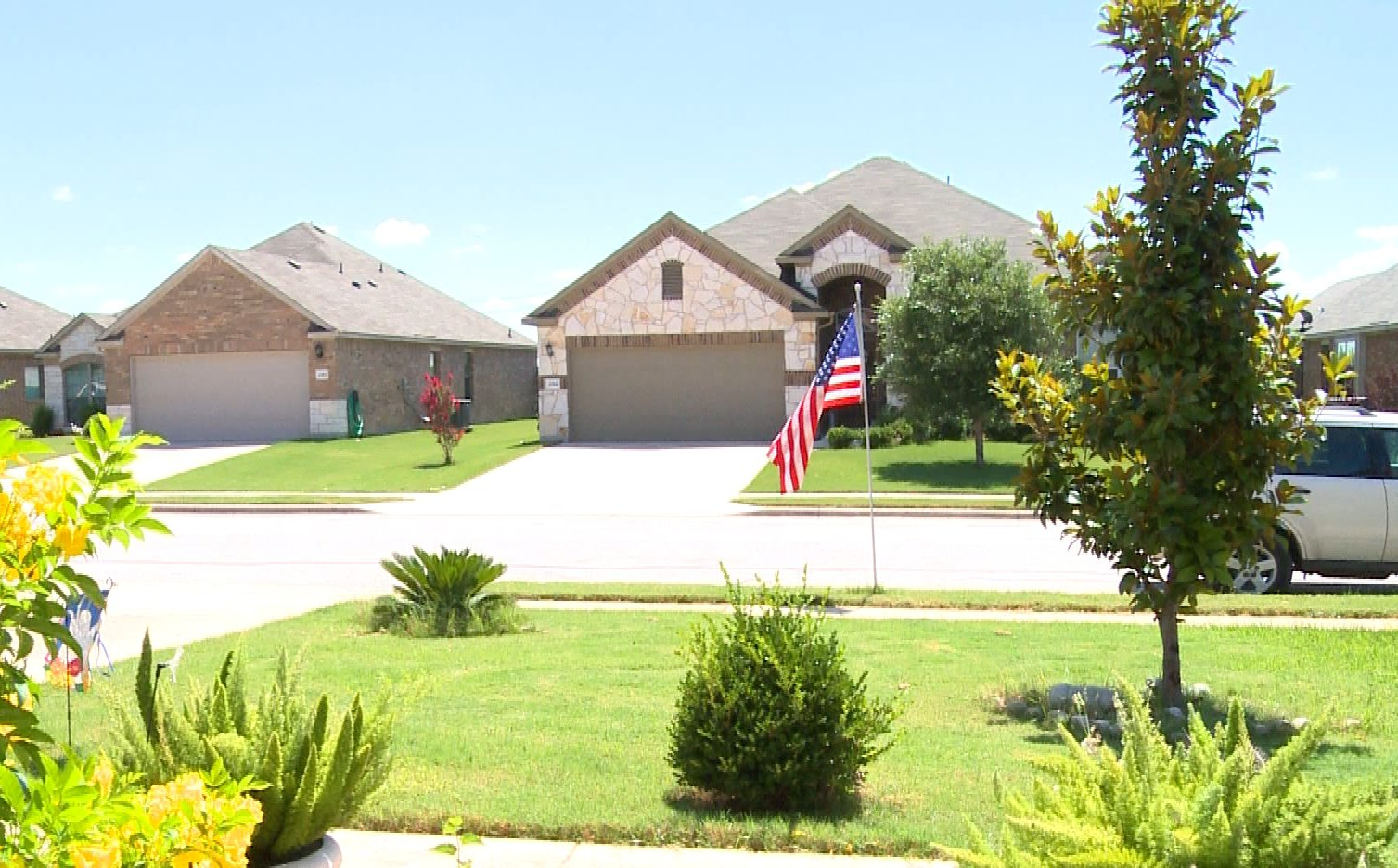 A Hutto HOA asked homeowners to take down their American flags_302946