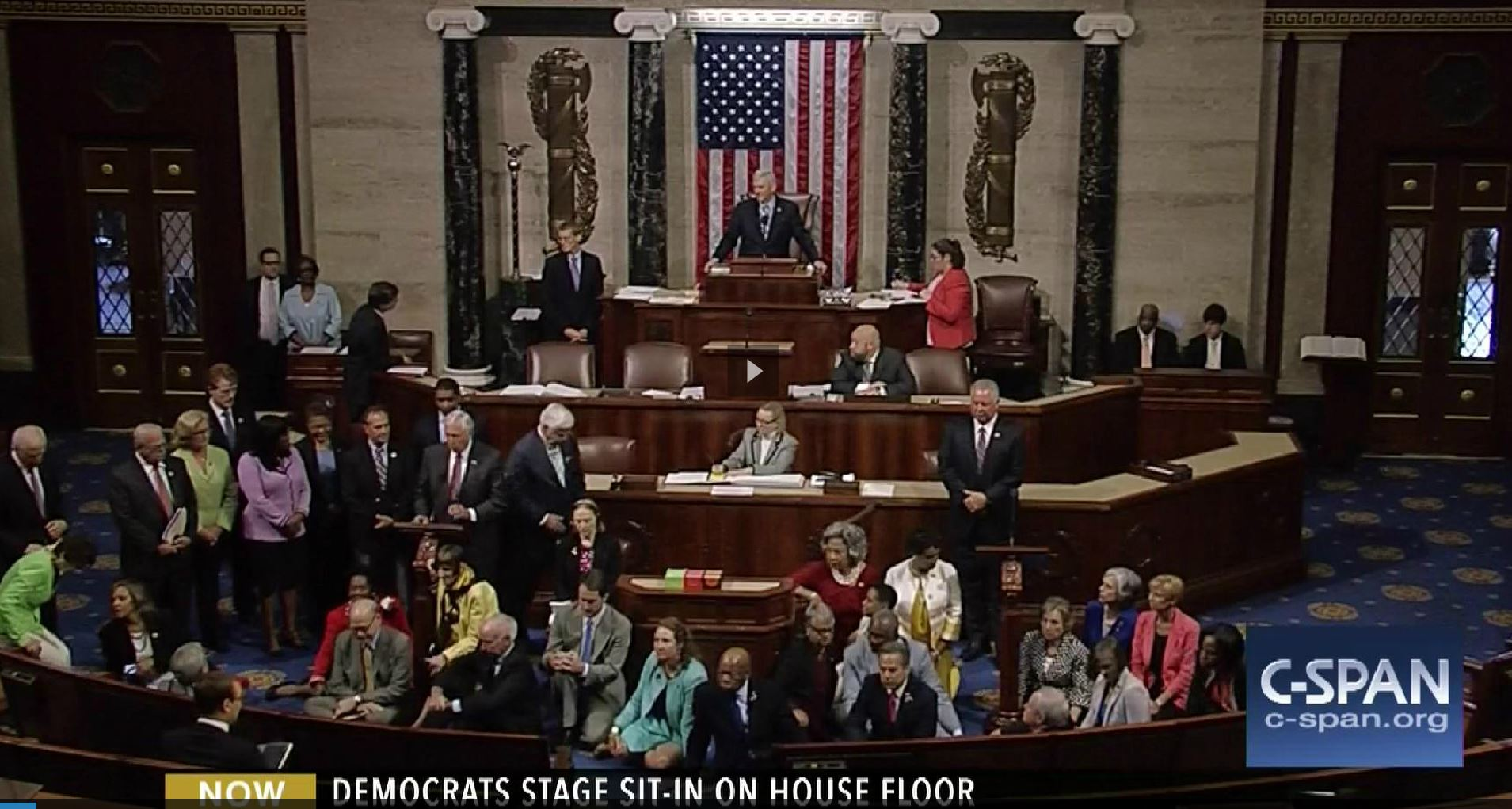 Democrats stage sit-in on House Floore_302781