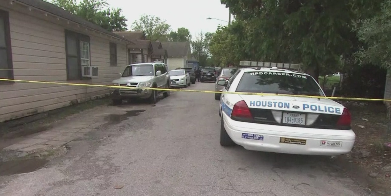Houston mom accused of killing her kids_333632
