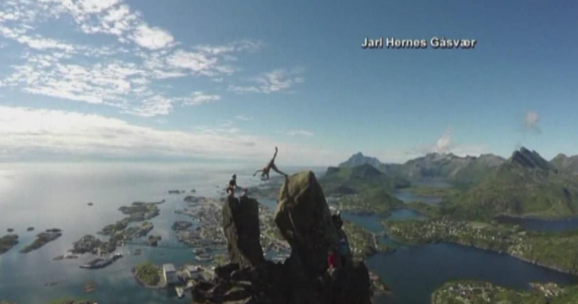 Risky Norway stunt_329750