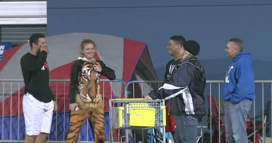 Houstonians already lining up at Best Buy for Black Friday deals_377752
