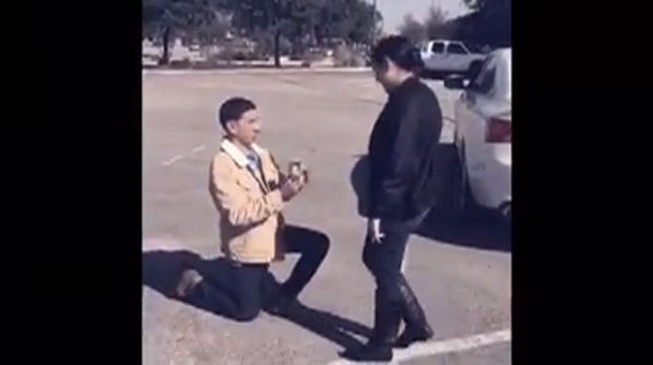 Buda police help man propose to his girlfriend during fake traffic stop_392923