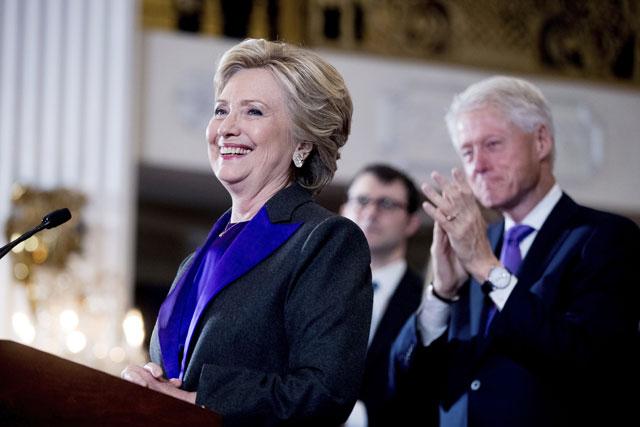 Hillary Clinton concedes_390068