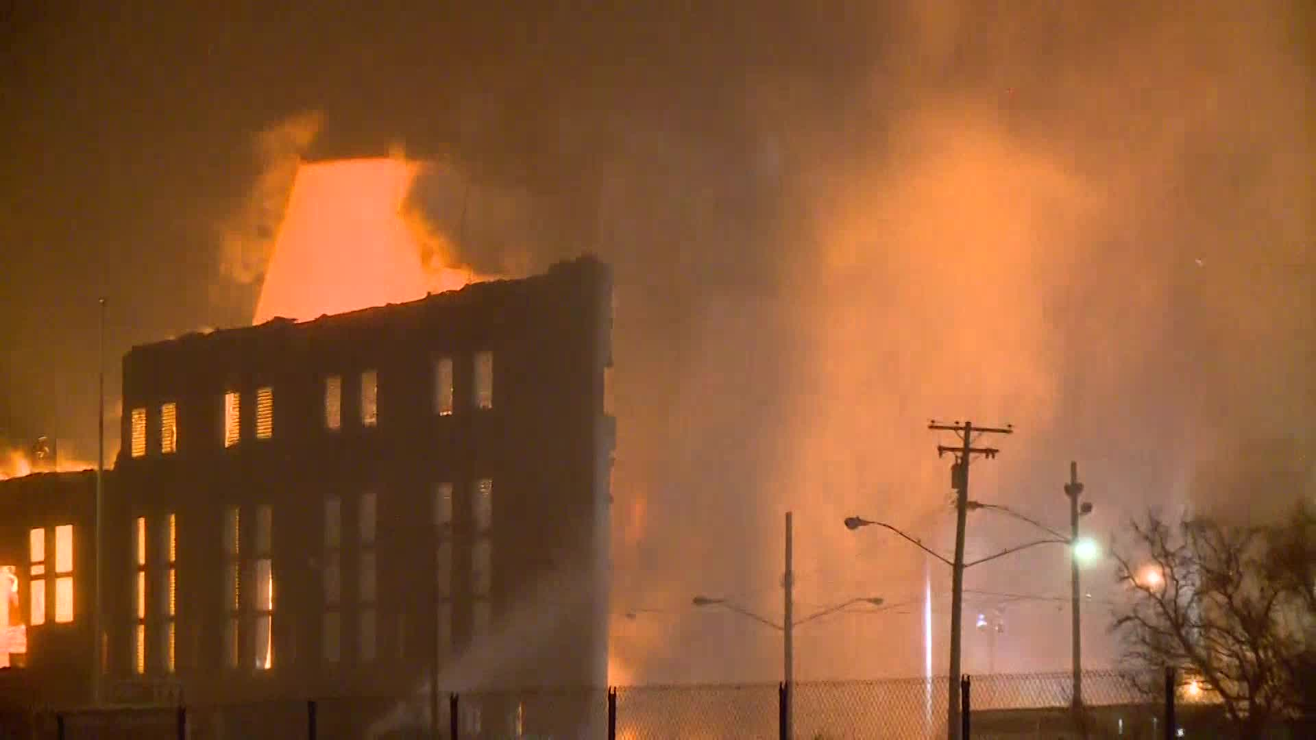 Cleveland power plant imploded (NBC News)_425654