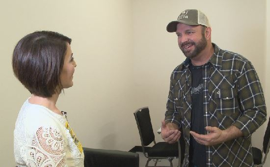 KXAN's Erin Cargile with country music legend Garth Brooks_438188
