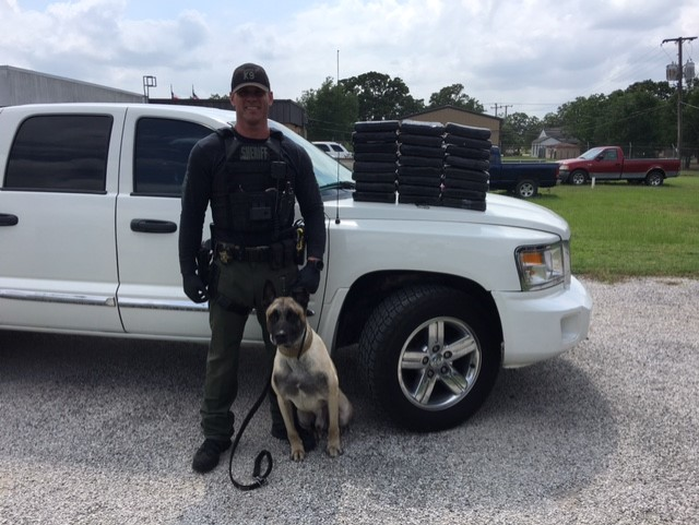 Fayette County Sheriff's Office Sgt. Randy Thumann and K9 Lobos find $2.7 million worth of cocaine on I-10 near Flatonia on May 26, 2017_480598