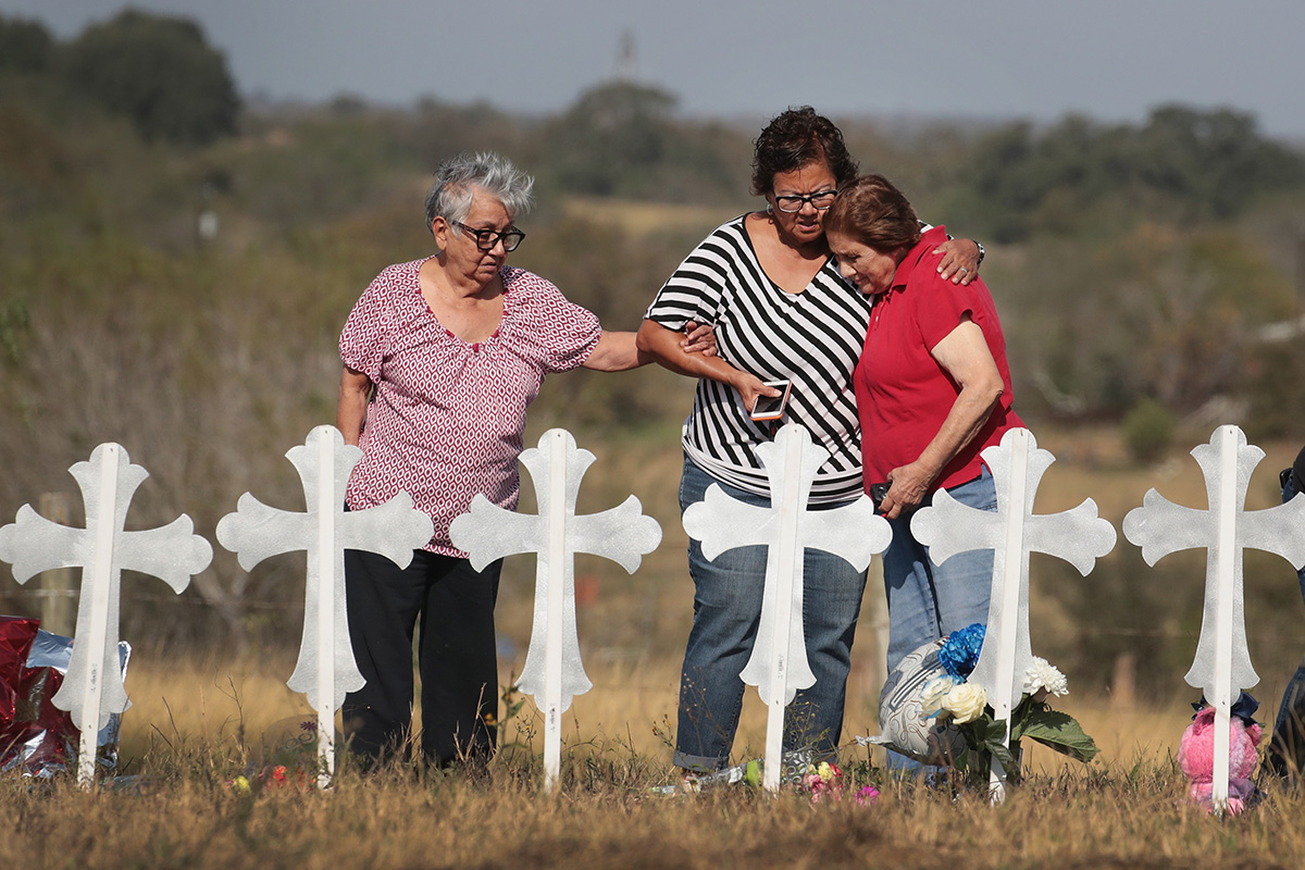 26 People Killed And 20 Injured After Mass Shooting At Texas Church_576810